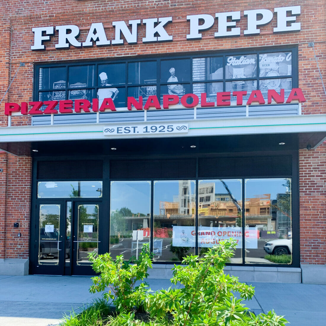 Frank Pepe Storefront