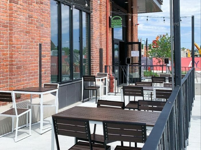 Shake Shack outdoor seating