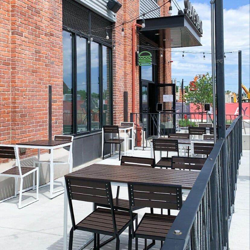 Shake Shack outdoor seating